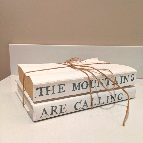 The mountains are calling book decor
